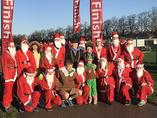200 hundred Santas chase  Laurence the Pud ... did they catch him???