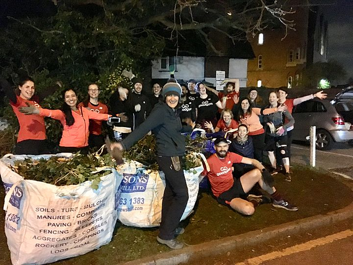 GoodGym - Earth Hour - 'Cause this is thriller, thriller night' as GGB does the graveyard shift at St Marys church.