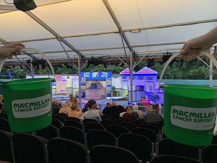 Buckets of pun at the show! It was the Hi-De-Highlight of our week!