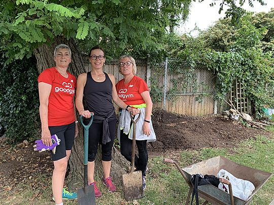 3 Goodgym women made the earth move along with Jen