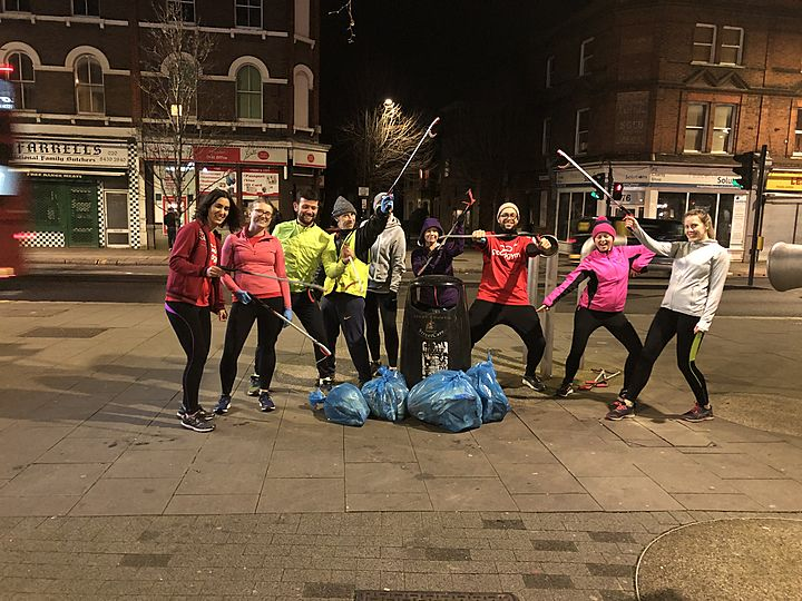 Litter pickers in Willesden clean!