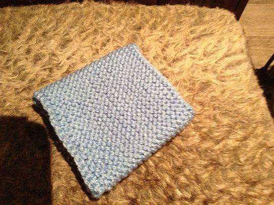 Knitting while you natter