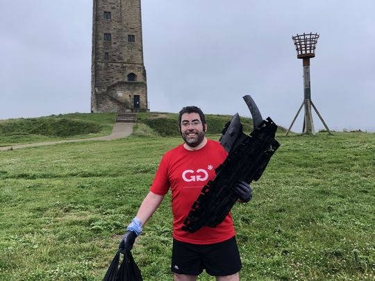 Need Someone to Pick Litter on Castle Hill? It's No Hassle GoodGym Will!