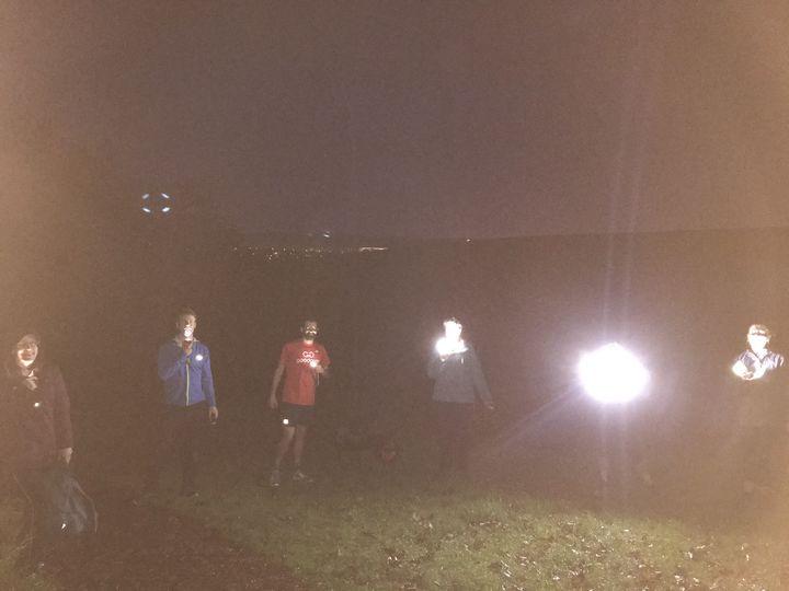 De(light)ful dig in the dark