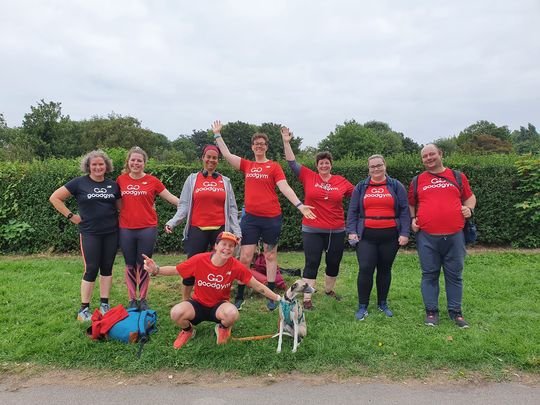 8 GoodGymers and a dog